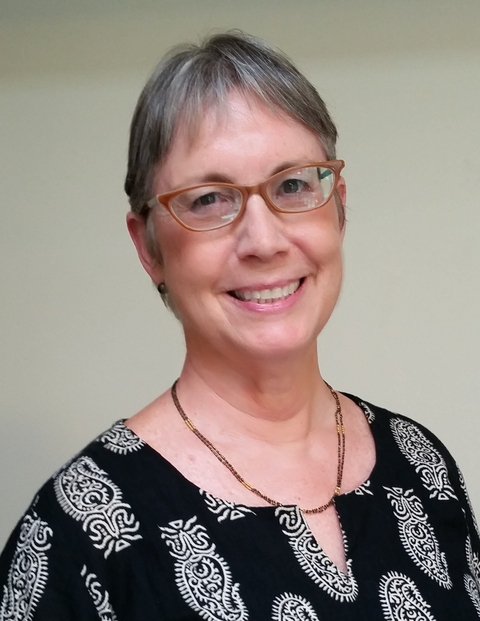 Dr. Suzanne S Gilbert